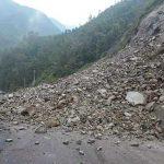 नारायणगढ-मुग्लिन सडक खण्डमा एकै दिन ४८ वटा पहिरो