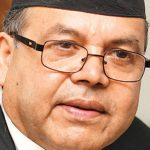 पूर्वप्रधानमन्त्री खनालद्वारा इलाम अस्पताललाई स्वास्थ्य सामाग्री वितरण